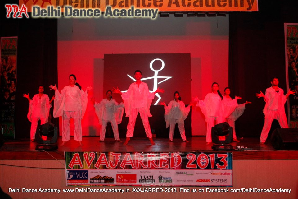 Vishnu Sir, Prashant Sir and the Contemporary Jazz dance team at DDA's AVAJARRED 2013