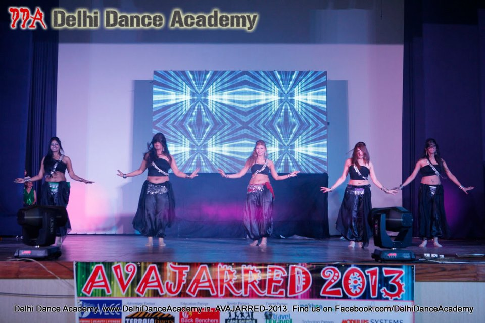 Choreographer Kimaaya and her students at DDA